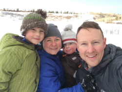 Family snow-250